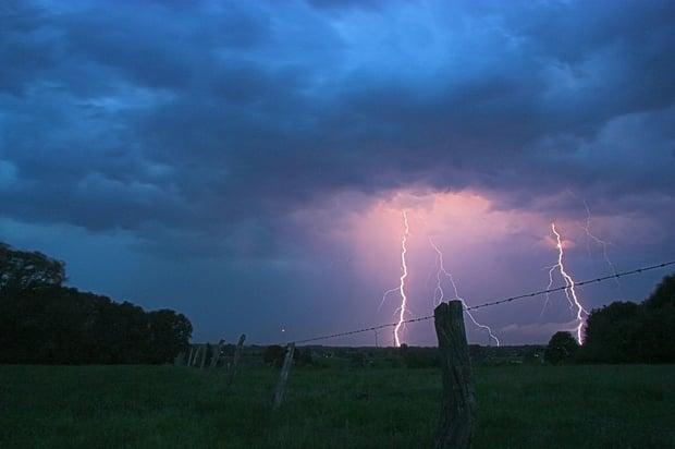 thunderstorm-549663_1280.jpg